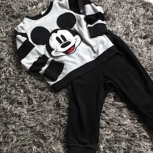 Velour H&M Mickey outfit 12-18months runs large.